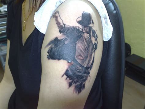 michael jackson tattoos michael jackson on left shoulder