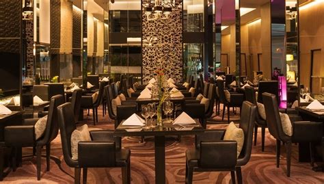 mauve restaurant bangkok radisson hotel mauve