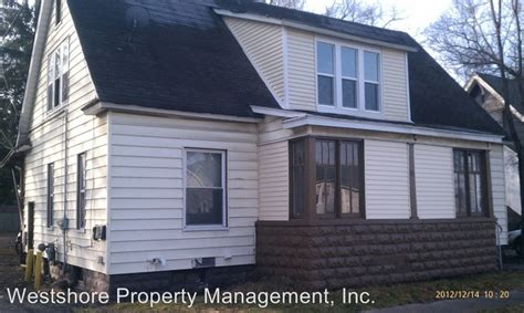 3 Bedroom Houses For Rent In Muskegon Mi by 121 E Holbrook Ave Muskegon Mi 49442 Rentals Muskegon