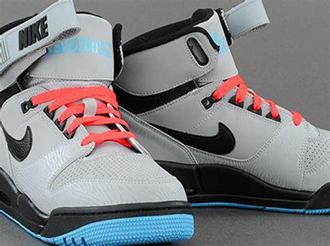 Nike Air Revolution by Nike Air Revolution Silver Black Atomic Gamma