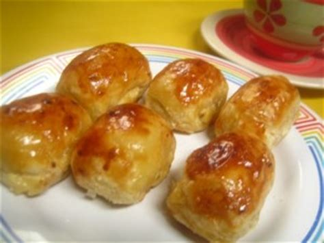 Bolen Mollen Pisang Aneka Rasa resep pisang molen keju kartika sari khas bandung enak dan
