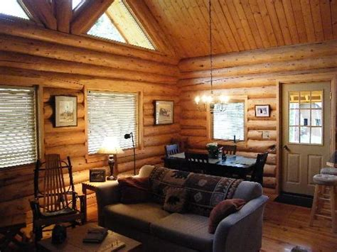 Guest Bedroom Decorating Ideas by Inside Bear Cabin Picture Of Tustumena Ridge Cabins