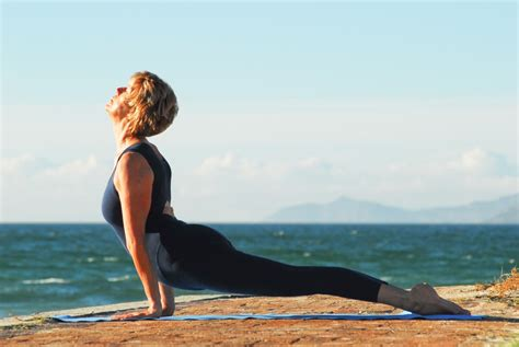 boat pose on belly best yoga exercises for reducing belly fat the world beast