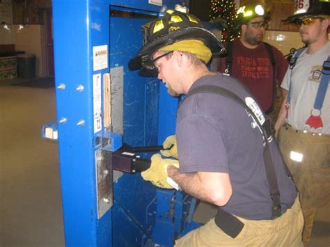 forcible entry inward swinging door advanced forcible entry training bethel fire company