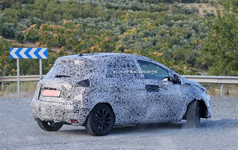 Zoe Renault 2020 by 2020 Renault Zoe Spied With An Evolutionary Design Carscoops