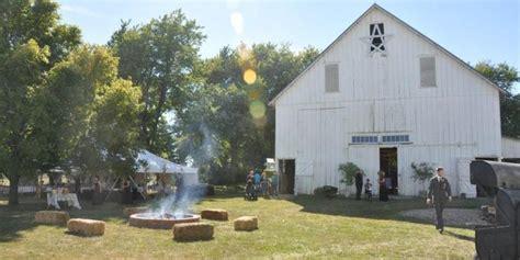 outdoor wedding venues in central illinois 1912 barn weddings get prices for wedding venues in