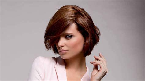 kurze bob frisur mit stufen haarschnitt fuer dickes haar