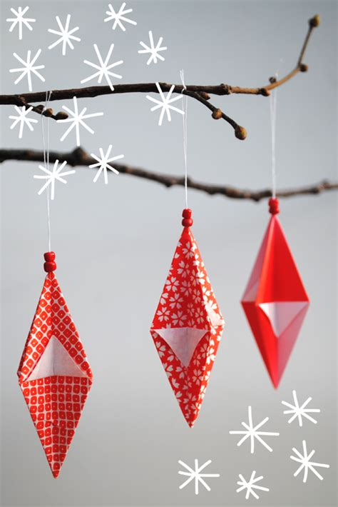 Folded Paper Decorations - how to craft origami tree cards origami