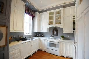 Grey And White Kitchen Cabinets by Exquisite Grey Walls Kitchen The Color Effect