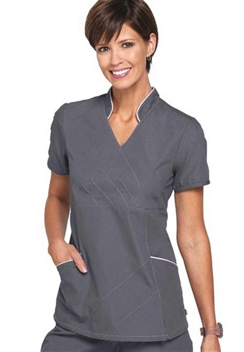 Colla Scrub by 1000 Images About Nursing On White Scrubs