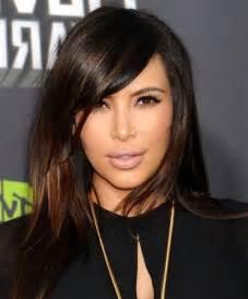 kim kardashian hair color highlights medium length hair artistic chestnut highlights on sliced