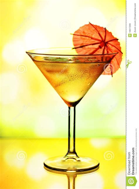 martini glass with umbrella cocktail glass with umbrella royalty free stock images