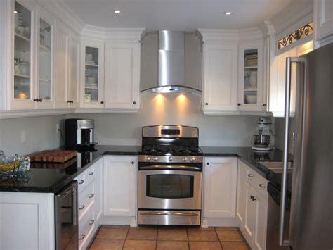 white traditional kitchen black and white kitchen