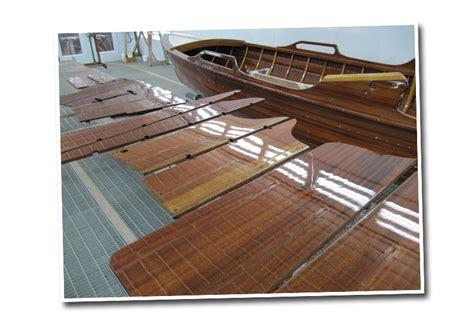 Yacht Holz Lackieren by W 252 Rth Werft Boote Lackieren Streichen