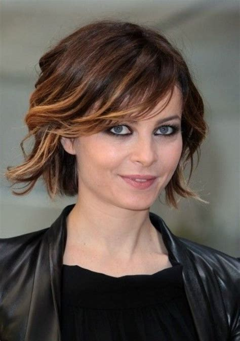 ombre and side swept pretty short ombre hair style with side swept bangs