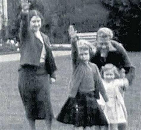 film of queen giving nazi salute photos of edward viii giving nazi salute in 1937 emerge at