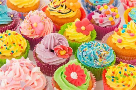 Piring Butter Cupcake cara rayakan pesta ulang tahun anak murah meriah
