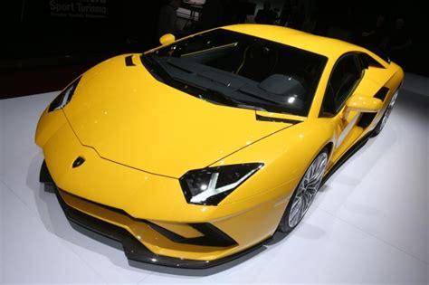 Lamborghini Show Lamborghini Open To Electric Supercar Says Ceo