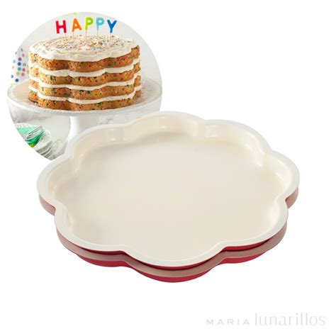 moldes layer cake set 2 moldes celebration layer cake nordic ware
