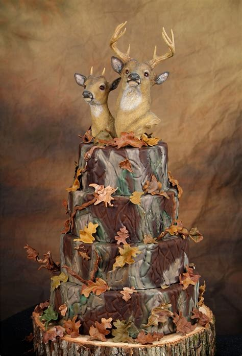 Hochzeitstorte Jagd by Camo Weddings The Best Cakes Dresses More