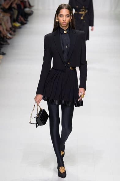 Look Book Balenciaga Summer 2007 Womens Ready To Wear by Versace Summer 2018 Ready To Wear Shows