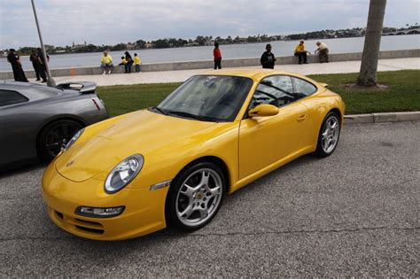 yellow porsche side view porsche 911 yellow side view jpg