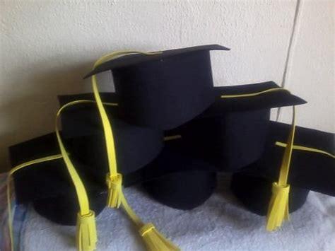 como hacer birretes de foami imagui newhairstylesformen2014 com birretes de foamy sombreros de foamy cumplea 241 os fiestas