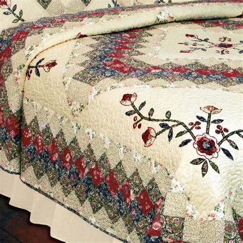Floral Patchwork Quilt - treasures floral patchwork quilt bedding