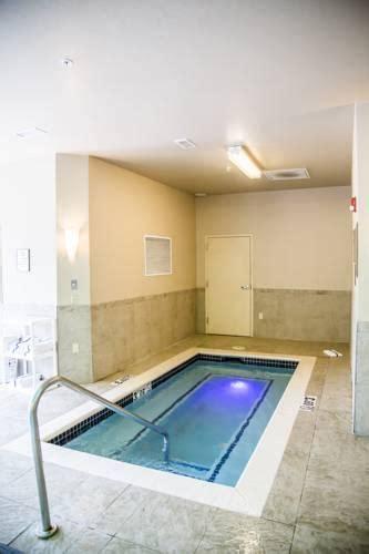 comfort suites bentonville comfort suites bentonville ar xna airport hotel parking
