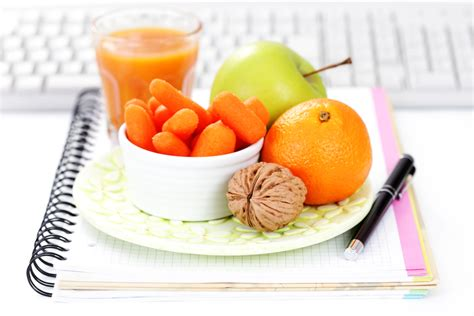 dieta ufficio dimagrante 10 snack dietetici per l ufficio diredonna