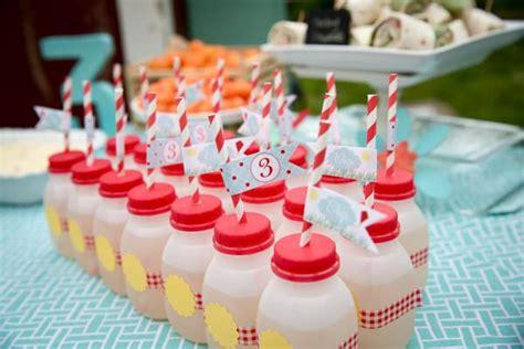 Karas  Ee  Party Ee    Ee  Ideas Ee   Vintage Barnyard Barn Farm Kite Themed