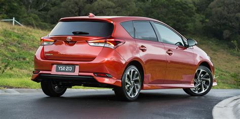price toyota 2015 toyota corolla hatch pricing and specifications