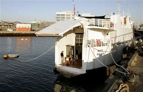 houseboat with garage car ferry houseboat 25 awesome houseboats complex