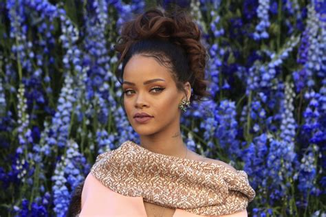 hair and makeup jobs in los angeles rihanna launches beauty agency fr8me in los angeles