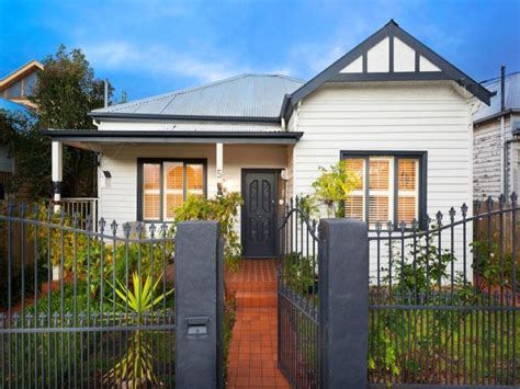 photo of a weatherboard house exterior from real australian home house facade photo 1348448