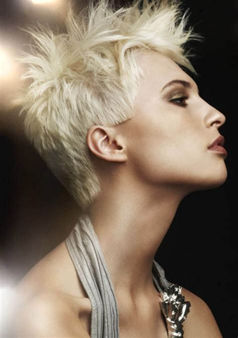 short hair cuts with a spike on it short spikey hairstyle the latest trends in women s