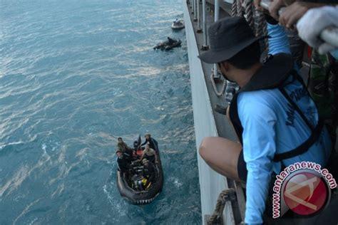 airasia qz506 kapal sadewa evakuasi dua mayat diduga korban airasia
