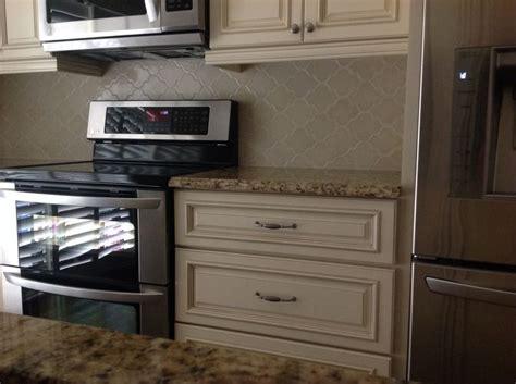 antique white kitchen cabinets w granite for sale 2 738 busby gilbert custom tile company backsplash arabesque