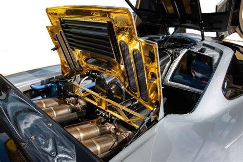 mclaren f1 engine mclaren f1 engine bay mclaren free engine image for user