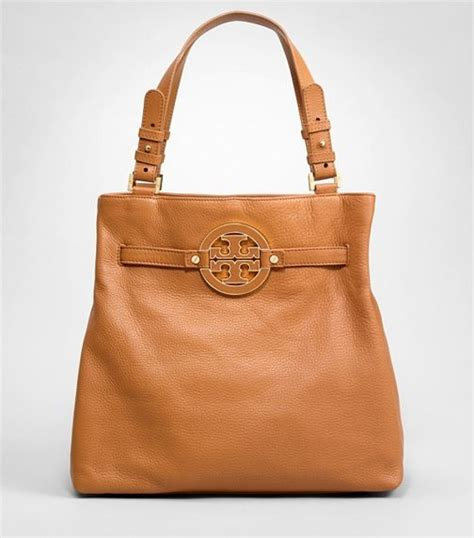 minimalist look with tory burch a constellation my absolute fave bag aka the bottomless pit so