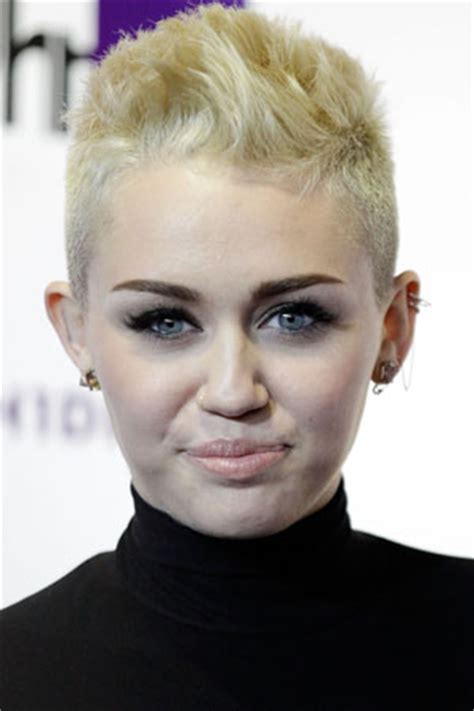 Miley Cyrus: I'm sticking with short hair