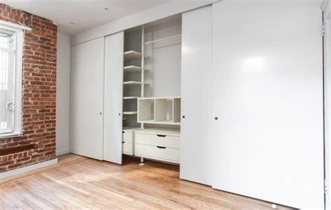 How To Replace Sliding Closet Doors Four Panel Sliding Closet Door To The Color Of The White Door Wardrobes Serves Storage Wardrobes
