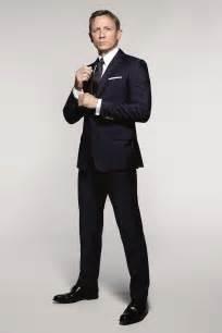 Bond Skyfall Wardrobe by Daniel Craig Suits Up As Bond In Spectre