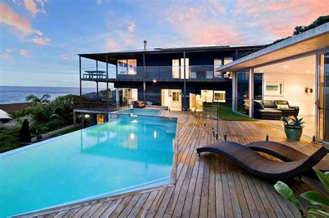 bedrooms holiday house  sydney freshwater beach