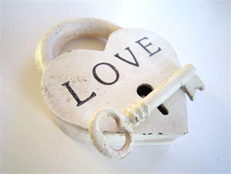 images of love locks locks of love amour cast iron heart padlock skelton key