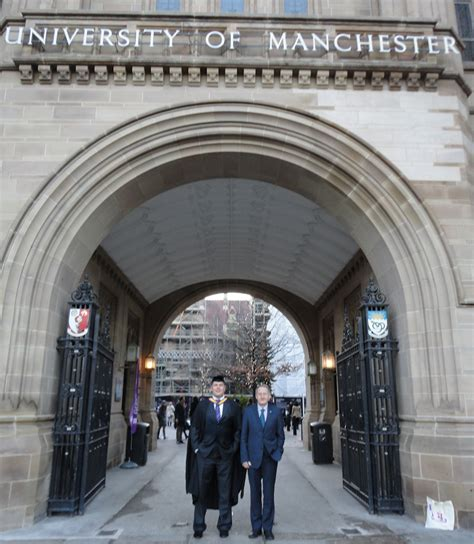Manchester Business School Mba Brochure by Ceo Is Awarded Mba