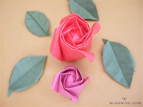Folding Paper Roses - origami roses crafts ideas crafts for