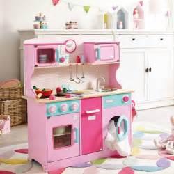 cuisine bois pour enfant cuisine enfant bois 50 id 233 es pour surprendre votre