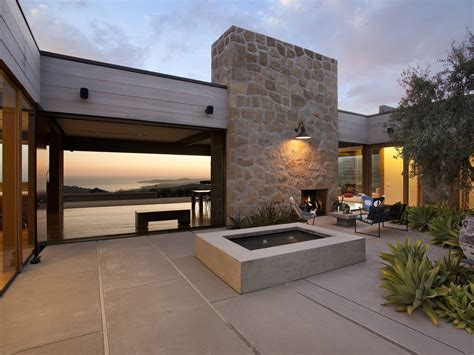 A Modern Architectural Masterpiece In California Modern Patio Lighting
