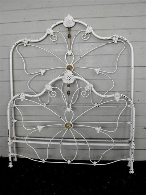 Butterfly Bed Frame Butterfly Bed Frame Buy Butterfly Single Bedframe White